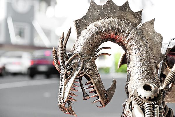 Alien Sculpture - Alien Invasion.dragon. by Yurix Sardinelly