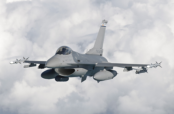 Transportation Photograph - An F-16 From The Colorado Air National by Giovanni Colla