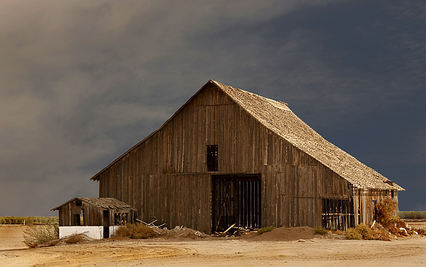 Barn Photograph - An Old Barn In Rural California by Mark Hendrickson