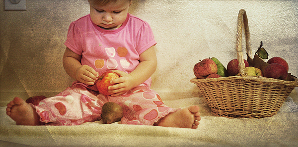 Child Photograph - Apples And Pjs by Beth Armsheimer