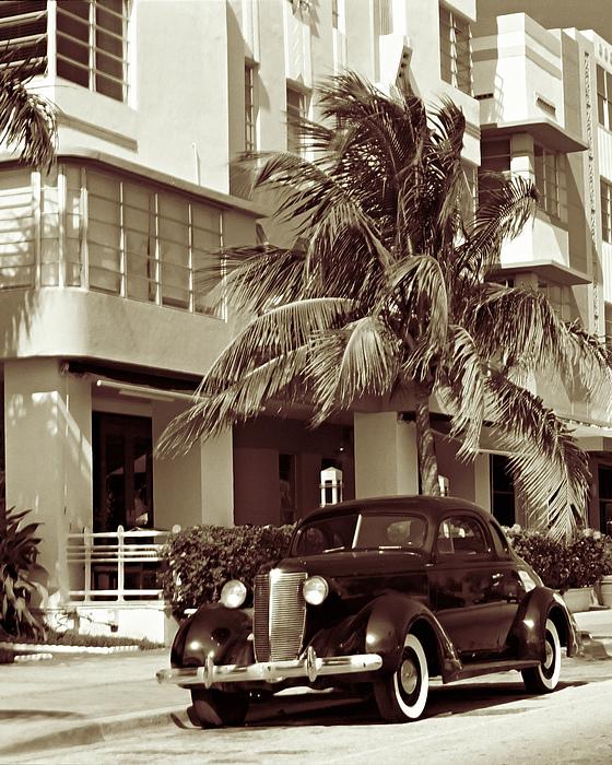 Art Deco Photograph - Art Deco Ocean Boulevard Miami Beach Florida by George Oze