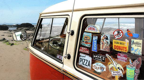Crystal Cove Photograph - Balboa Bus by Ron Regalado