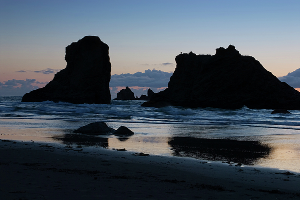 Oregon Photograph - Bandon Oregon Sea Stacks by Renee Hong