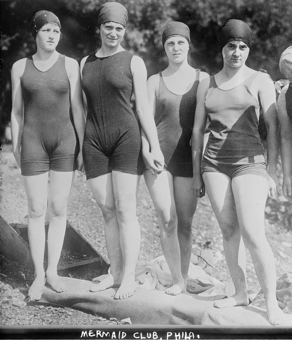 1920s Photograph - Bathing Beauties, The Philadelphia by Everett