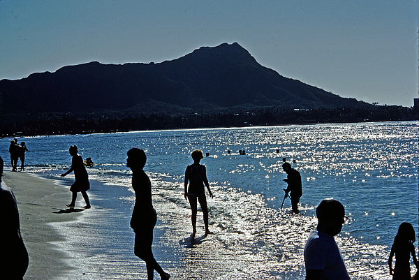 Hawaii Photograph - Beach People by Jim Proctor