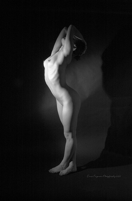 Nude Photograph - Body Study 9327 by Ernie Ferguson