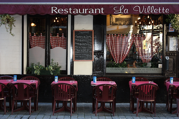 European Cafe Photograph - Brussels - Restaurant La Villette by Carol Groenen