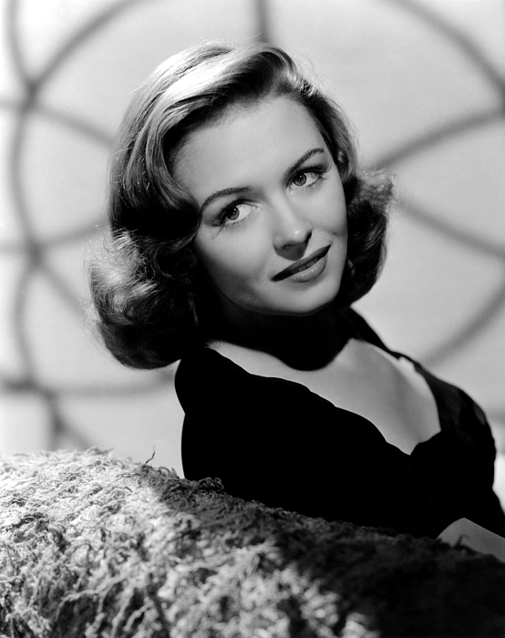 1940s Movies Photograph - Calling Dr. Gillespie, Donna Reed, 1942 by Everett