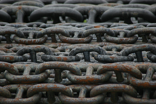 Chains Photograph - Chains by Hans Jankowski
