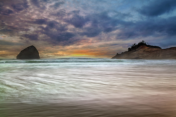 Rock Photograph - Chief Kiawanda Rock At Cape Kiwanda In Oregon Coast by David Gn