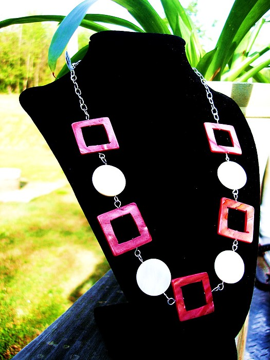White Jewelry - Circle N Square Shell  Chain Necklace by Coty Noojin