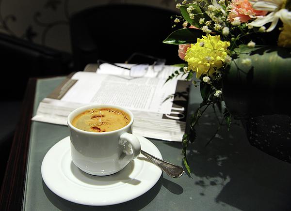 Saudi Arabia Photograph - Coffee Break by Graham Taylor