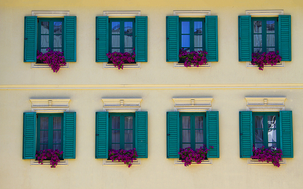 Architectural Detail Photograph - Colorful Building by David Buffington