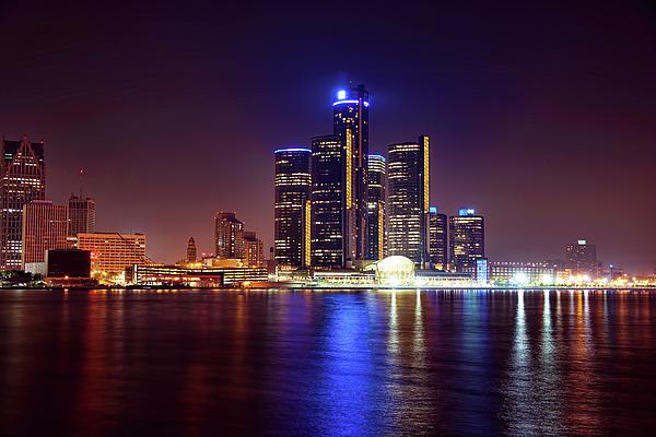 Detroit Photograph - Detroit Skyline 4 by Gordon Dean II