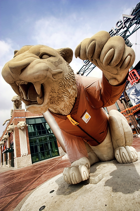 Detroit Photograph - Detroit Tigers Tiger Statue Outside Of Comerica Park Detroit Michigan by Gordon Dean II