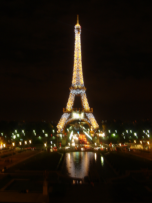 Eiffel Tower Photograph - Eiffel Tower At Night by John Julio