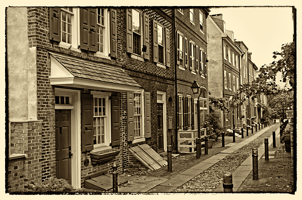 Philadelphia Photograph - Elfreths Alley by Jack Paolini
