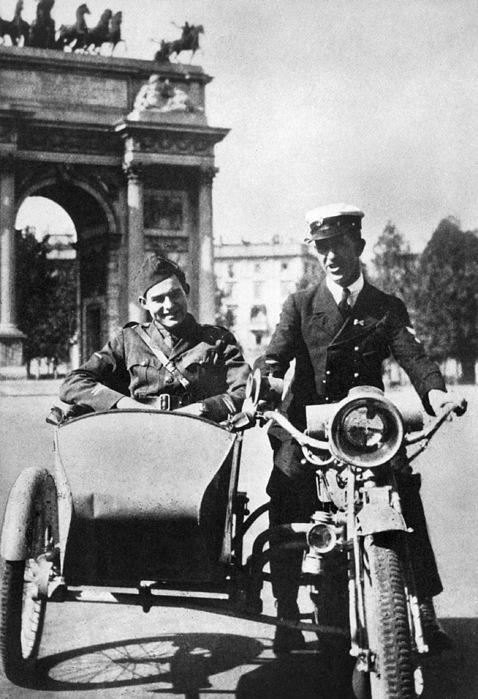 1918 Photograph - Ernest Hemingway (1899-1961) by Granger