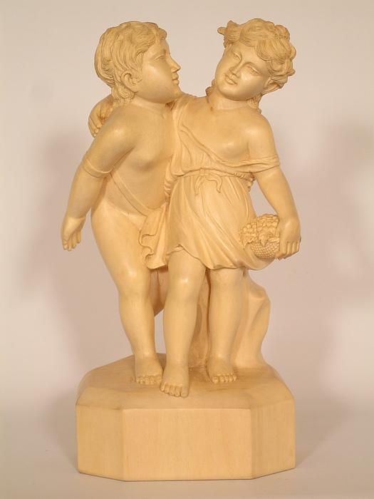Friendship Sculpture - Friends by Thu Nguyen
