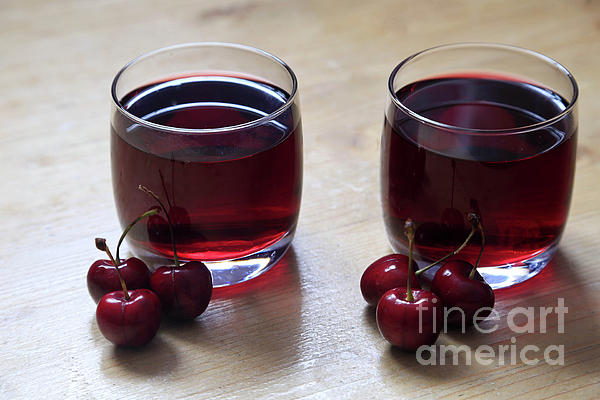 Cherries Photograph - Fruity Cherry by Tracy Hall