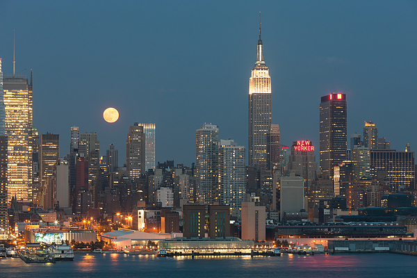 America Photograph - Full Moon Rising Over New York City II by Clarence Holmes