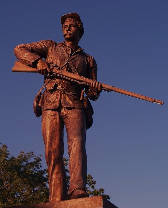 Gettysburg Photograph - Gettysburg Statue by Eric  Schiabor