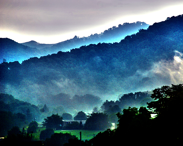 National Park Photograph - Great Smokey Mountains by Susanne Van Hulst