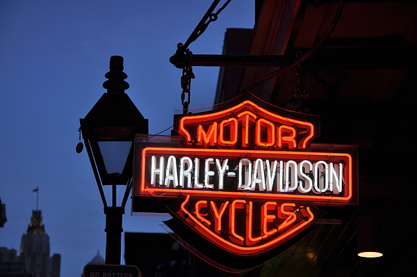 Harley Davidson Photograph - Harley Davidson New Orleans by Bill Cannon