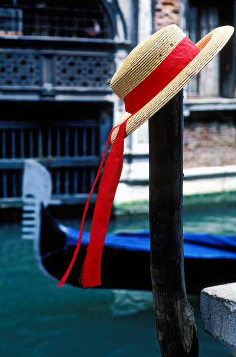 Hat Photograph - Hat On Pole Venice by Garry Gay
