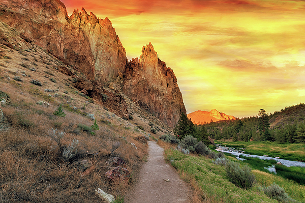 Smith Rock Photograph - Hiking Trail At Smith Rock State Park by David Gn