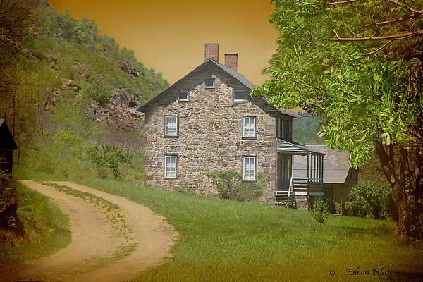 Stone House Photograph - Housebythemountain by Eileen Blair