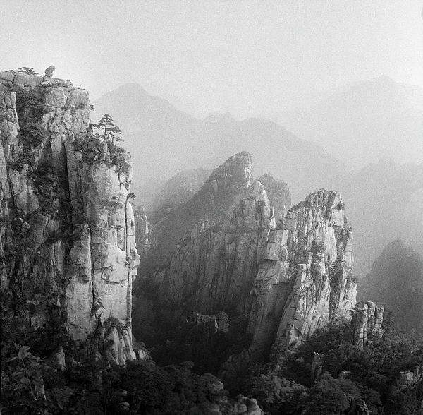 Horizontal Photograph - Huangshan Peaks by Vincent Boreux Photography
