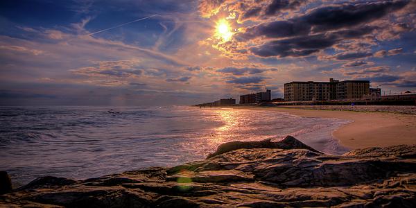 Atlantic Ocean Photograph - Hurry Sundown by David Hahn