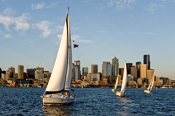 Seattle Photograph - IIn The Lead by Tom Dowd