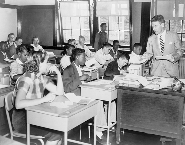 History Photograph - Integrated Classroom In Washington by Everett