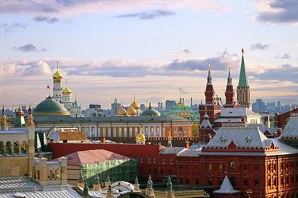 Horizontal Photograph - Kremlin, Moscow, Russia by Lars Ruecker