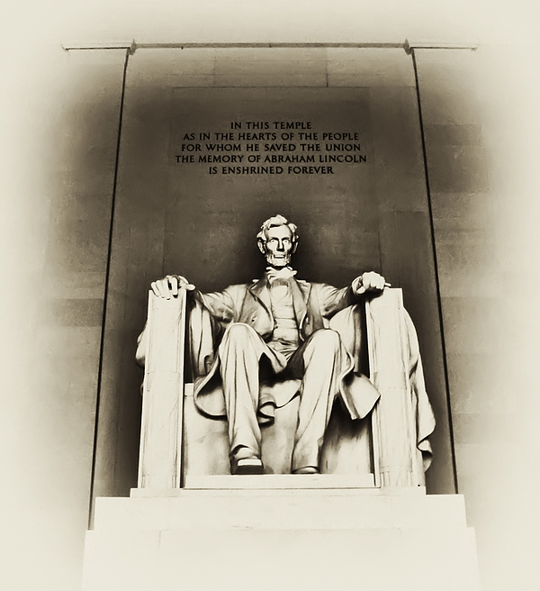 Lincoln Photograph - Lincoln Memorial by Bill Cannon