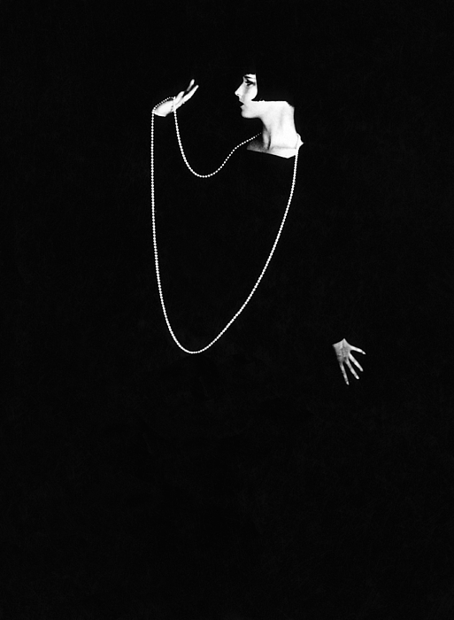 1920s Portraits Photograph - Louise Brooks, Photo By Ruth Harriet by Everett