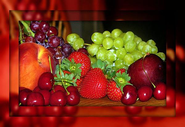 Fruit Photograph - Luscious by Dottie Dees