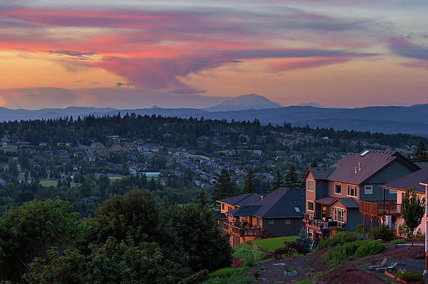 Happy Valley Photograph - Luxury Homes In Happy Valley Oregon by David Gn