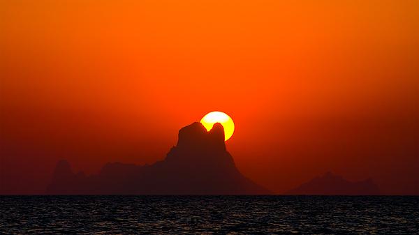 Backlight Photograph - Magic Sunset by Thomas Splietker
