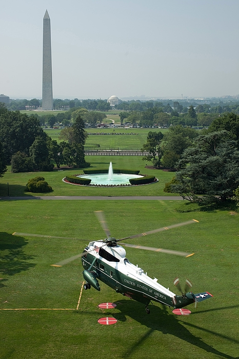 History Photograph - Marine One Lifts Off From The South by Everett