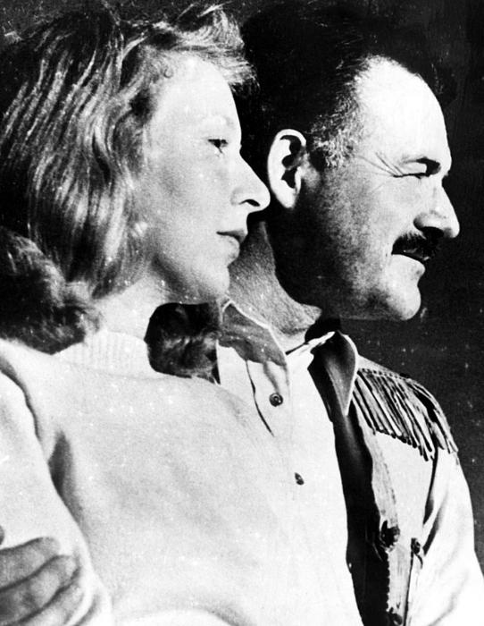 1940s Photograph - Martha Gellhorn And Ernest Hemingway by Everett