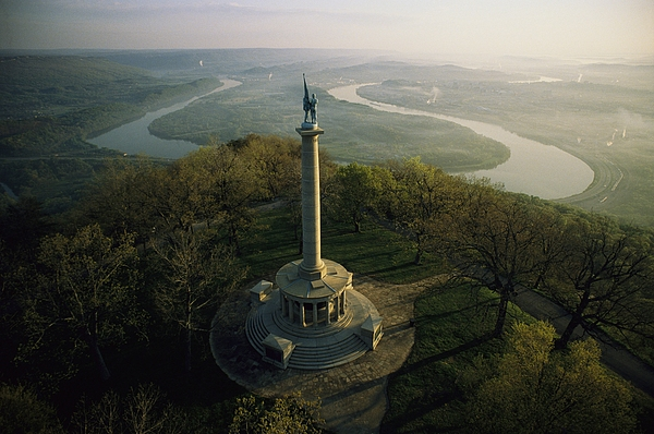 North America Photograph - Memorial To The Battle Of Chattanooga by Sam Abell