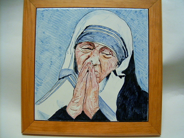 Portrait Ceramic Art - Mother Teresa Of Calcutta by Maria Rosaria Dalessandro