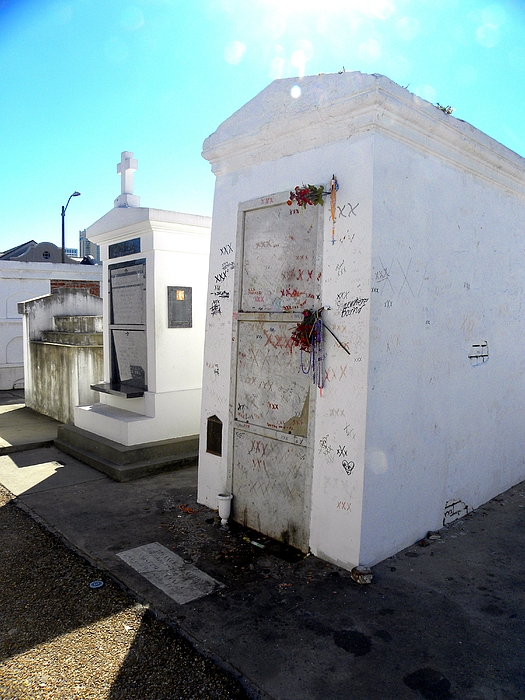 New Orleans Photograph - New Orleans Crypt 13 by Patricia Bigelow