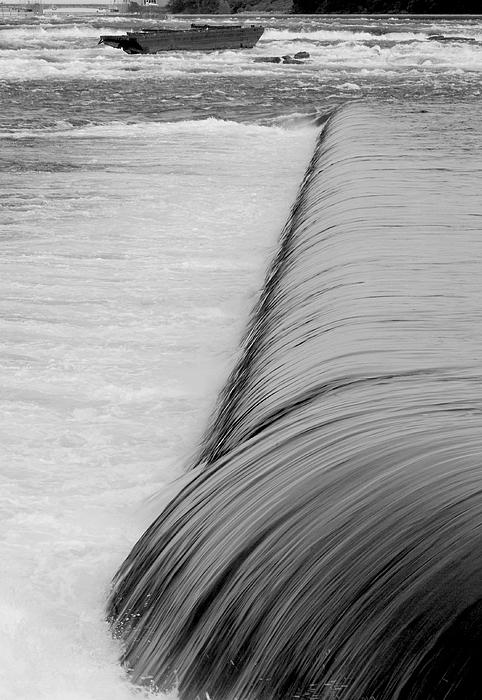 Niagara Photograph - Niagara Water And Ship-0095 by Sean Shaw
