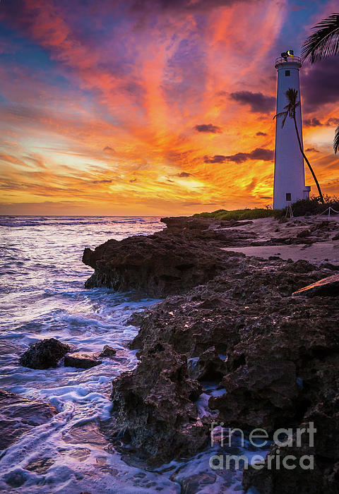 America Photograph - Oahu Lighthouse by Inge Johnsson
