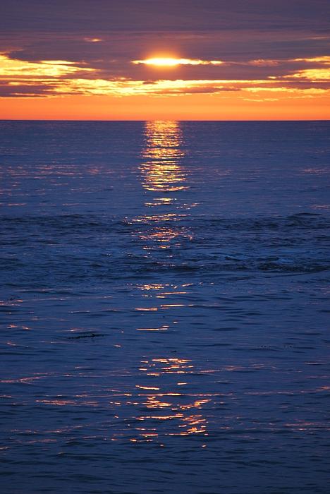 Sun Set Photograph - Ocean Set by Jessica Saenz
