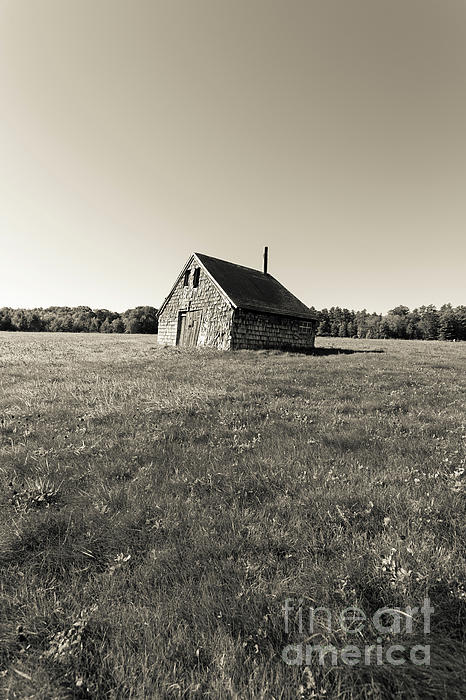 Andover Photograph - Old Abandoned Farm Building by Edward Fielding